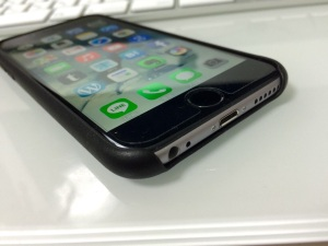 iPhone6 アップル純正レザーケース(下部)