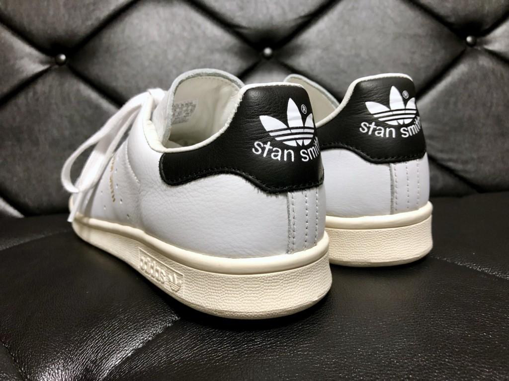 アディダス スタンスミス(adidas STAN SMITH)オリジナルモデル_ヒールパッチはブラック