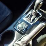新型アクセラ:シフト&サイドブレーキ
