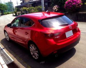 新型アクセラ 洗車4