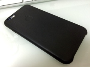 iPhone6 アップル純正レザーケース(背面)
