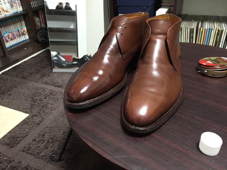 【靴磨き】右側ステインリムーバー使用(ジャランスリワヤ チャッカブーツ)