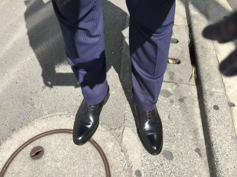 ジャランスリワヤ ストレートチップ&ネイビースーツ