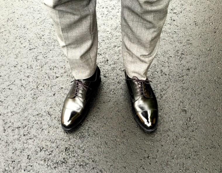 ジャランスリワヤ ストレートチップ(98696)ユナイテッドアローズ別注とグレーのパンツ