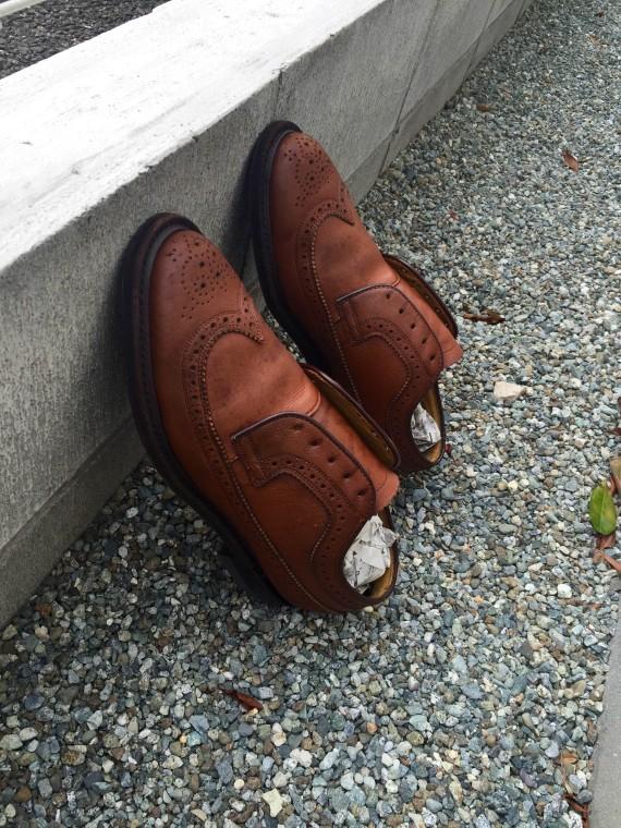革靴丸洗い 外で乾燥