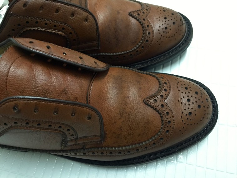 革靴丸洗い アッパーのシミ