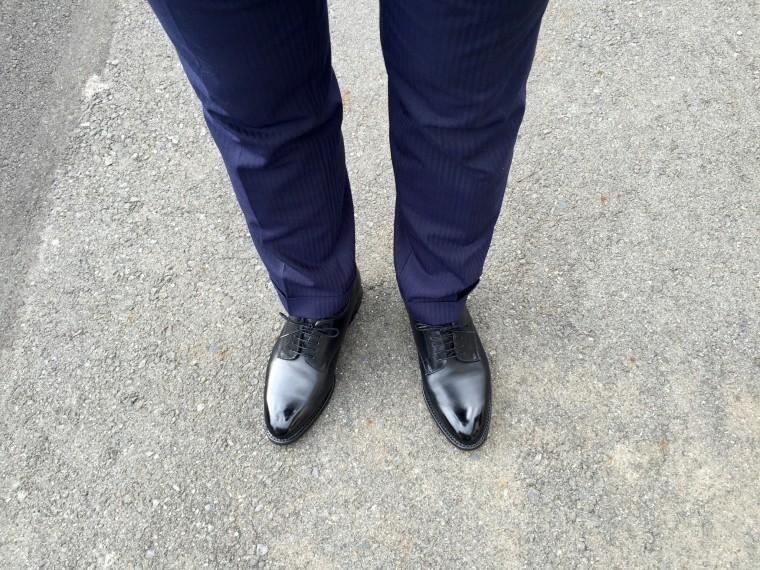 ロイドフットウェア プレーントゥ(黒)&スーツ(ネイビー)