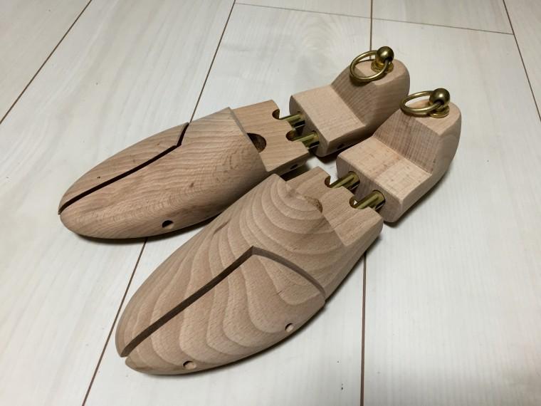 伊勢丹セールの木製シューツリー斜め