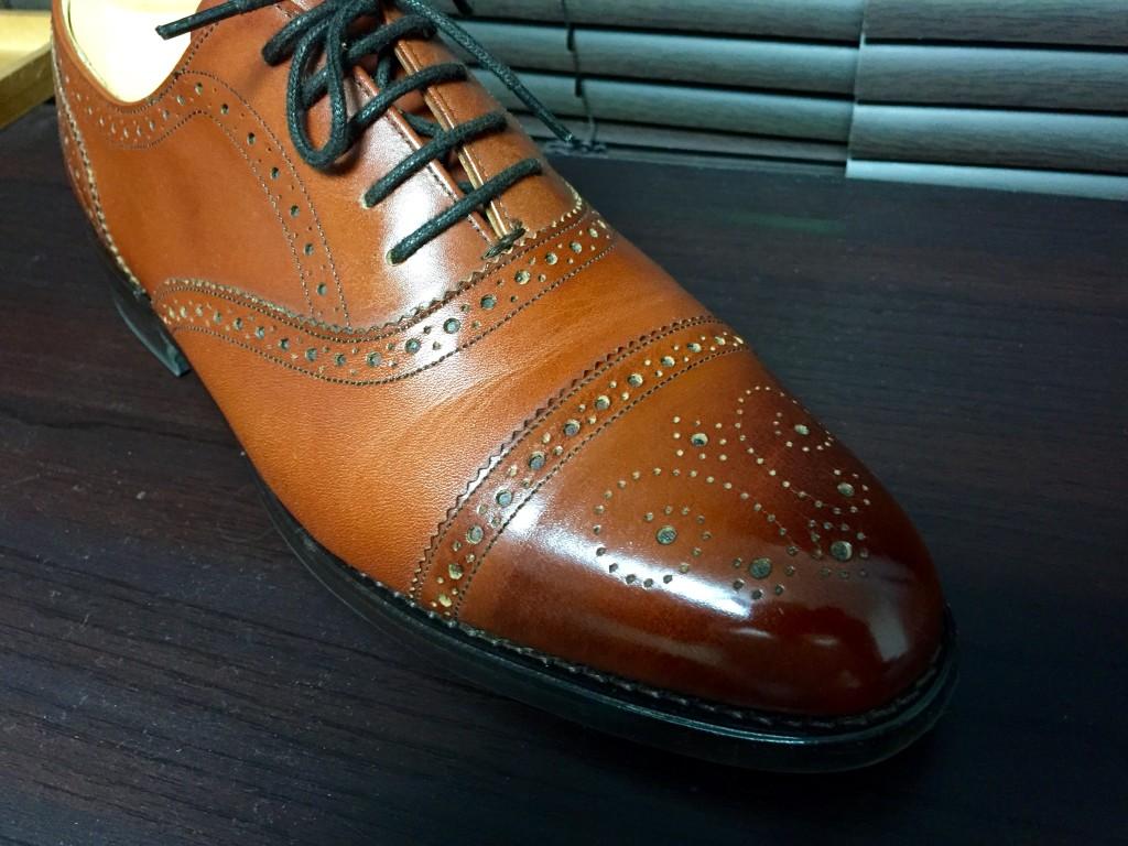 ロイドフットウェアVシリーズ セミブローグ茶色の履き皺