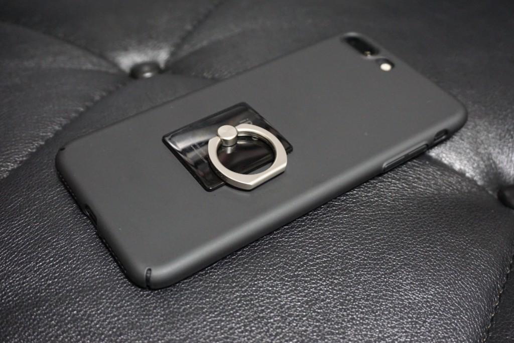 iPhone8 PlusにHUMIXXのケース_ハンガーリング