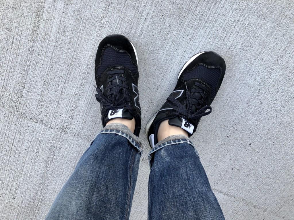 11月27日水曜日はニューバランスM1400黒×ジーンズ2
