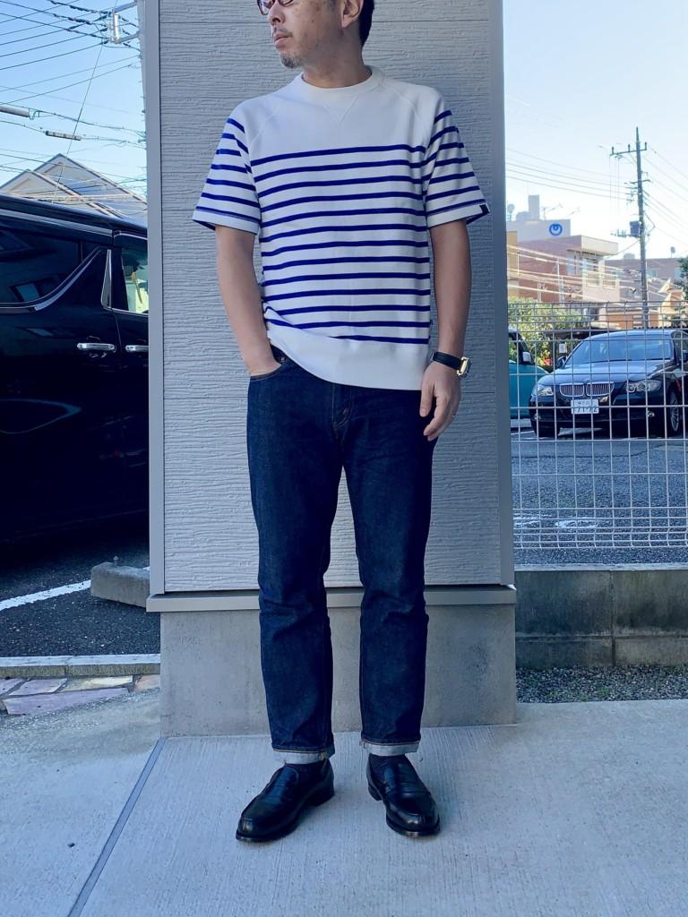 ループウィラー半袖ボーダースウェット×ジーンズ(リゾルト712)コーデ画像