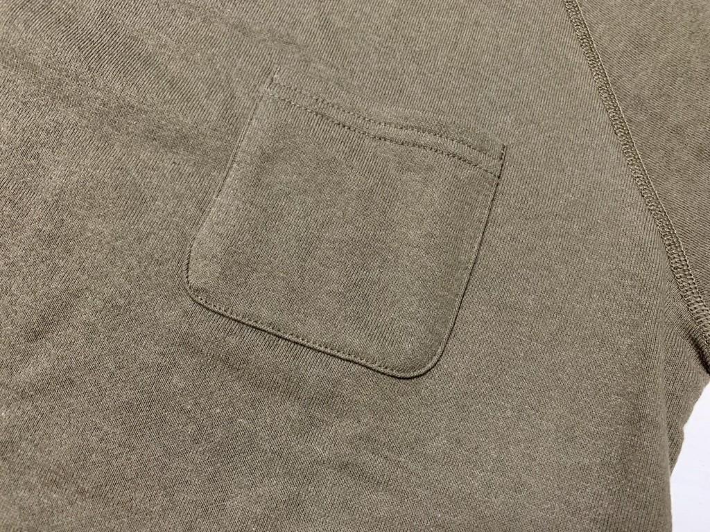 胸ポケットの画像