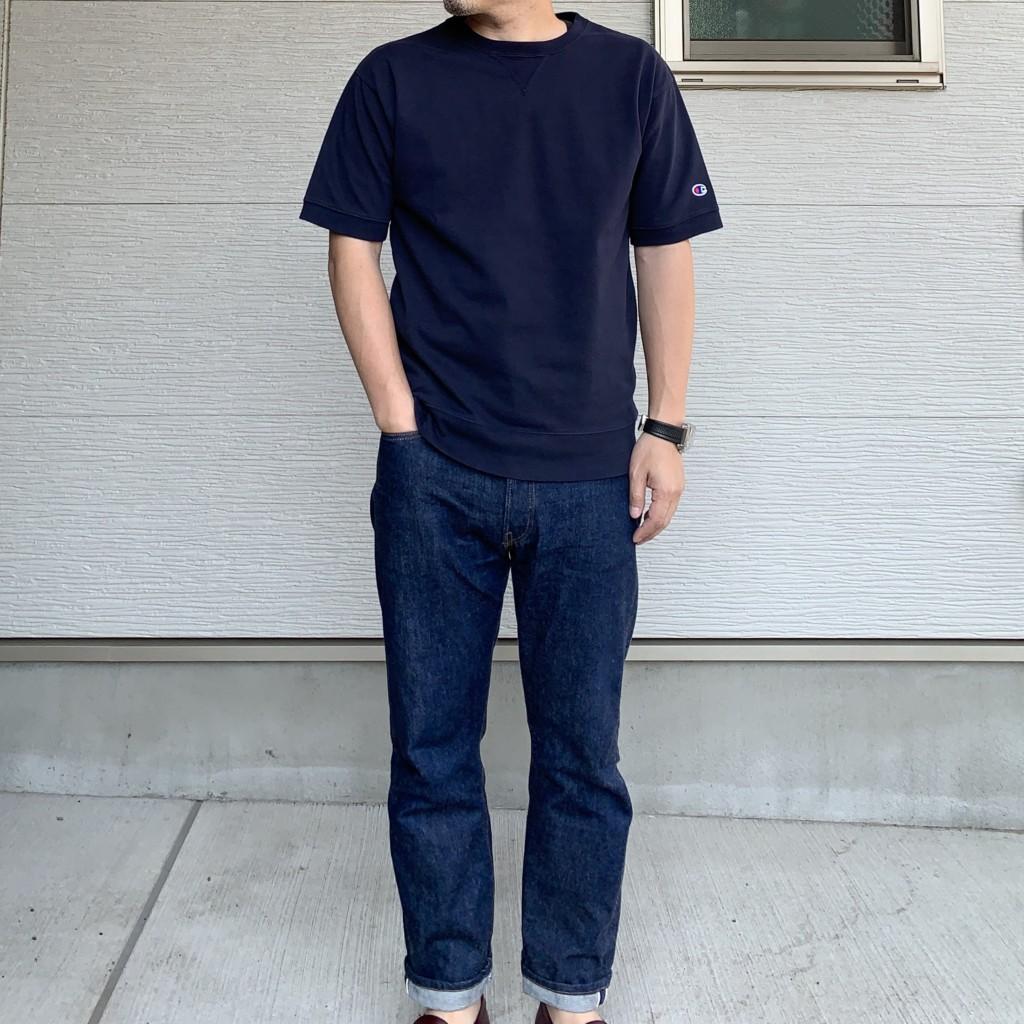 チャンピオン×SHIPS別注「スウェット型Tシャツ」の上半身の写真