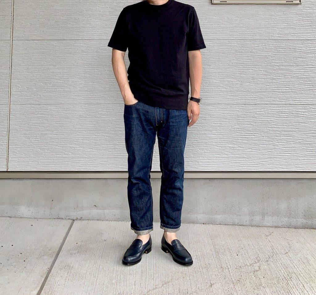ネイビーのJMウエストン180ローファー×ジーンズコーデの画像