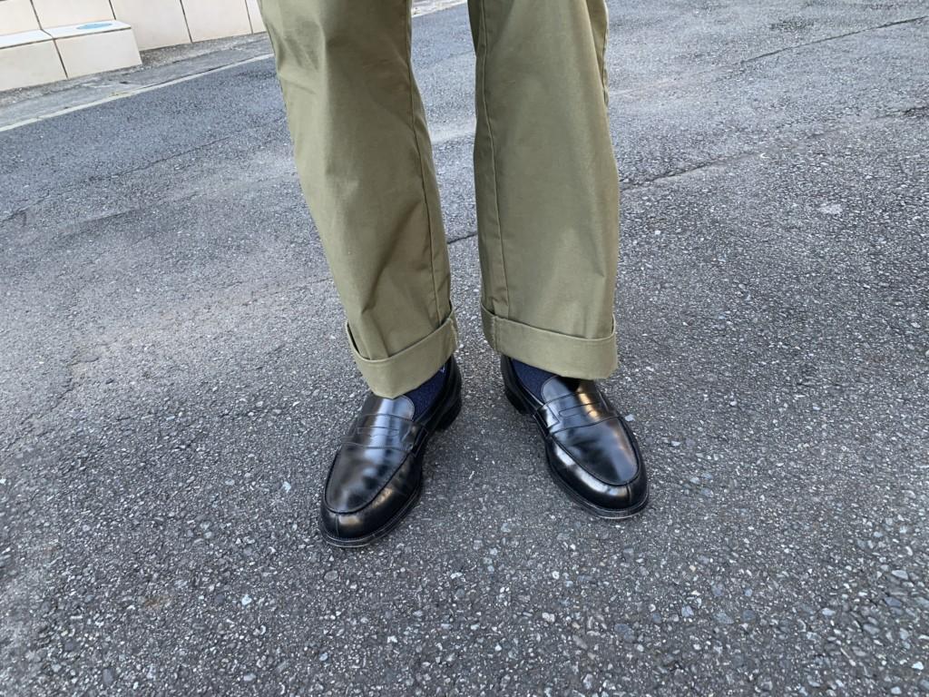 JMウエストン180ローファー黒×カーキワイドパンツ