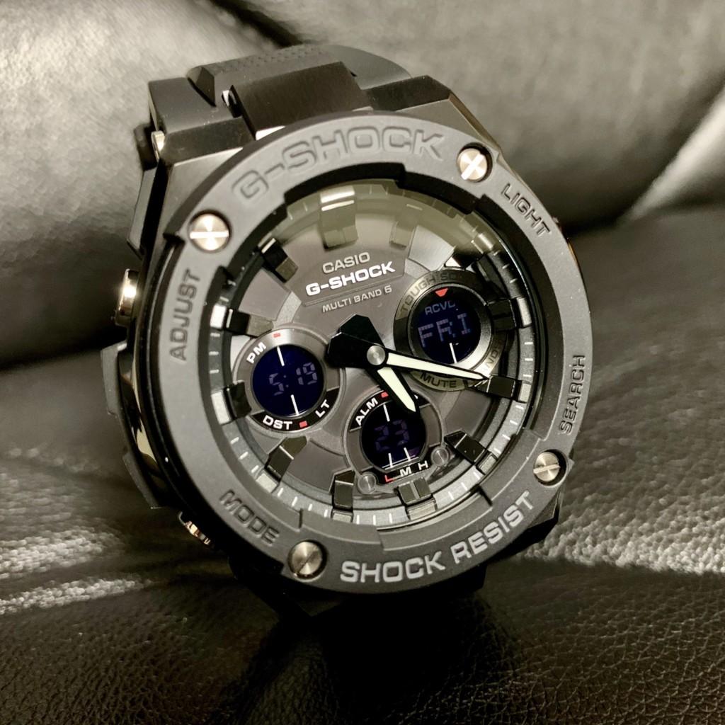 GショックGスチール(G-SHOCK G-STEEL)GST-W100G-1BJFの反転液晶の画像