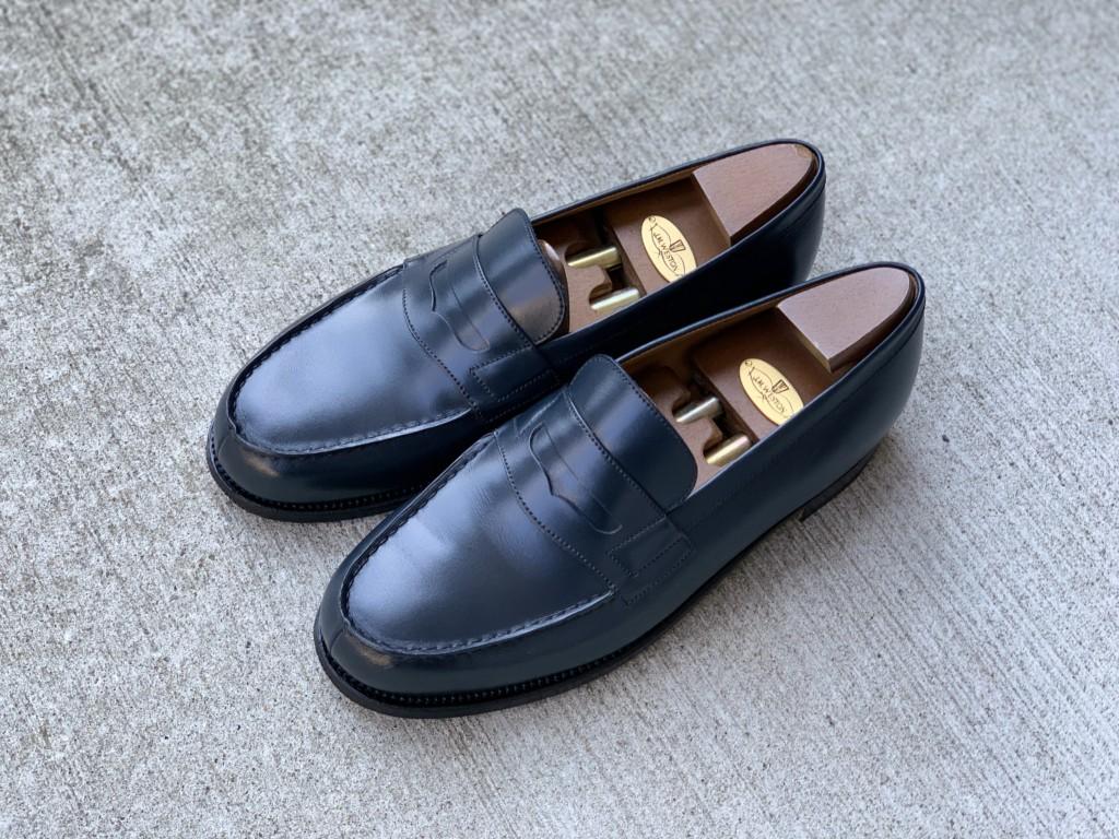 JMウエストン「180ローファー」ネイビーの靴磨きの画像