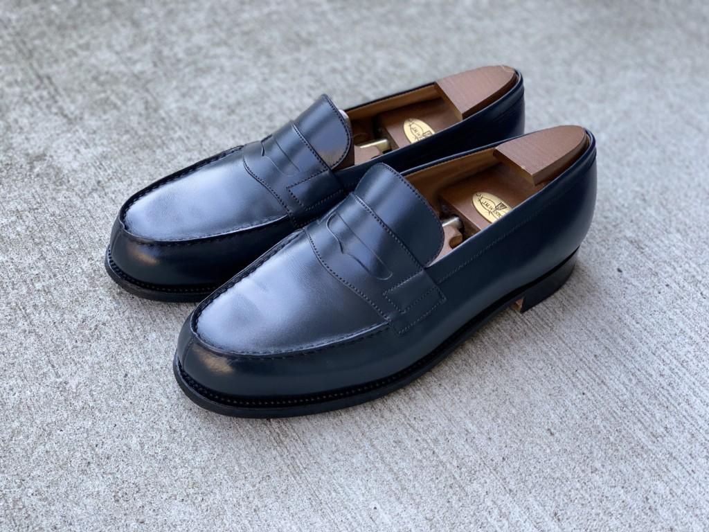 JMウエストン「180ローファー」ネイビーの靴磨きの画像4