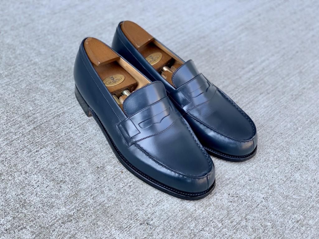 JMウエストン「180ローファー」ネイビーの靴磨きの画像3