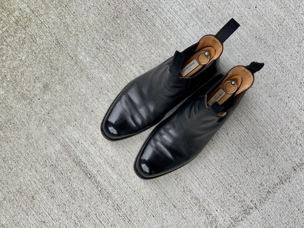 JMウエストンのサイドゴアブーツを靴磨き