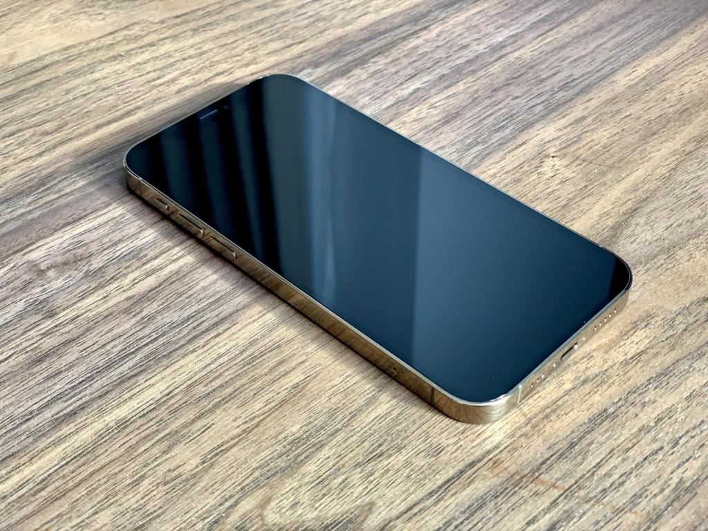 iPhone12 Pro ゴールドの画像