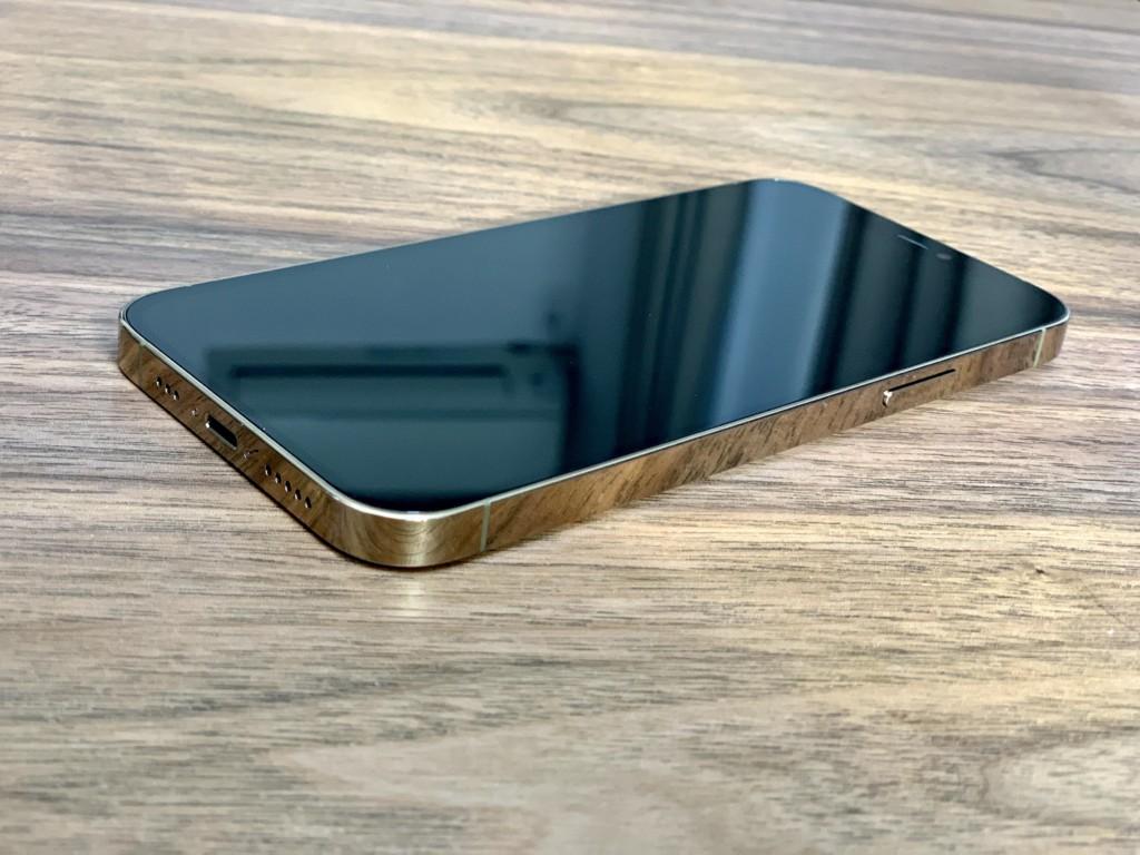 iPhone12 Pro ゴールドの画像2