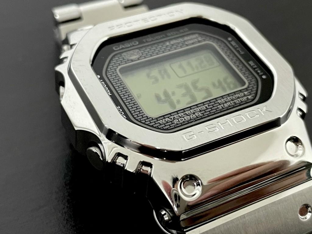 Gショック「銀メタ(GMW-B5000D-1JF)」のトップ画像